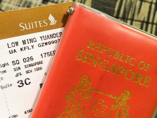 This guy cashed in his frequent-flier miles for an $18,000 suite on a Singapore Airlines flight — here's what it was like