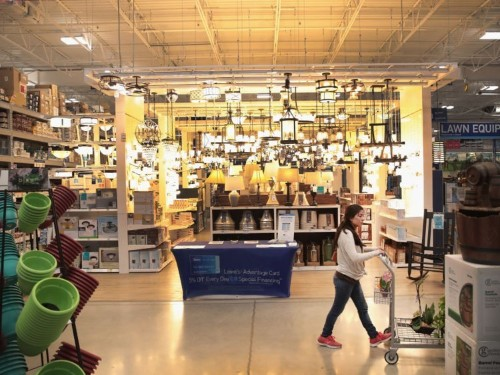 Lowe's fixed a crucial flaw, and it's now one of the only bright spots in its business