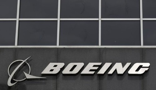 Boeing plans layoffs for airplane engineers