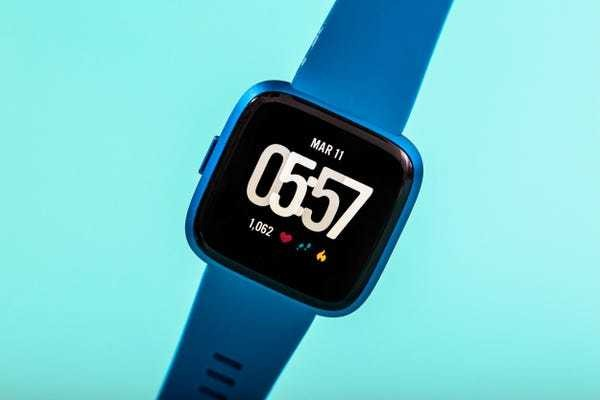 Fitbit SpO2 feature launches, beating Apple to blood oxygen monitoring - Business Insider