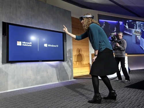 Former Microsoft engineer talks about testing the HoloLens