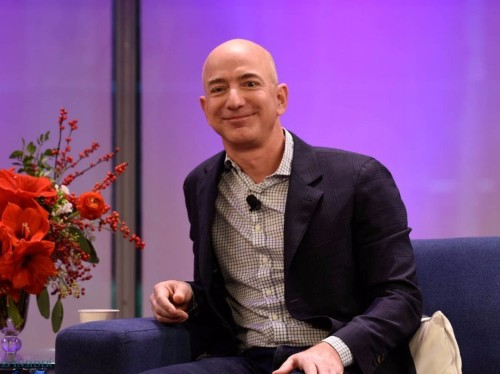 3 things that everyone can learn from Jeff Bezos and Amazon about incredibly smart decision-making
