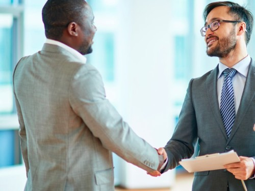 These 13 words and 10 tips will help salespeople close more deals faster