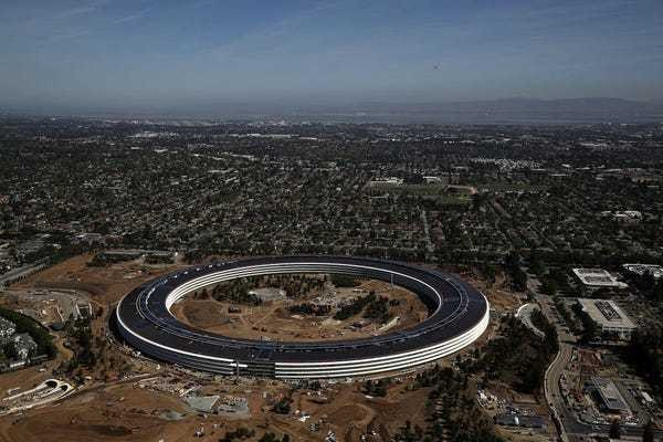 This video gives a rare look inside Apple's $5 billion 'spaceship' headquarters - Business Insider