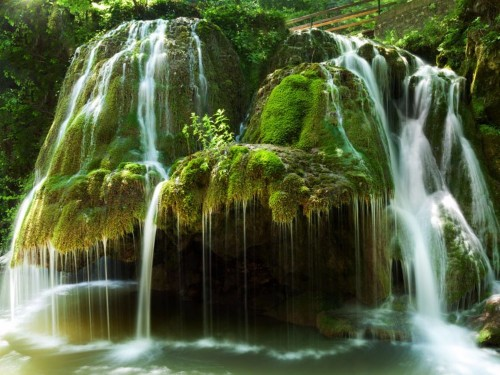 26 incredible waterfalls to visit in your lifetime