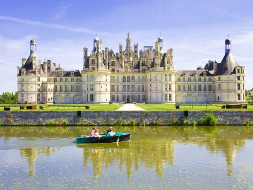 10 royal residences that are far more extravagant than Buckingham Palace