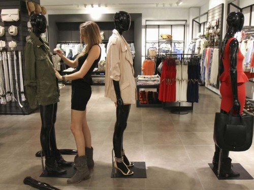 This startup lets you order and try on clothes from top retailers without spending any money