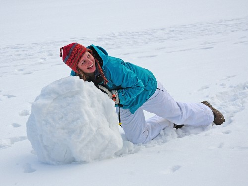 How to get out of debt: debt snowball vs. debt avalanche - Business Insider
