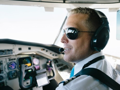 How autopilot on an airplane works - Business Insider