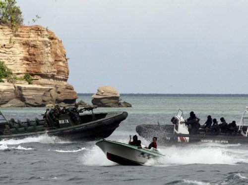 Armed Pirates Raid Japanese Oil Tanker Off Malaysian Coast
