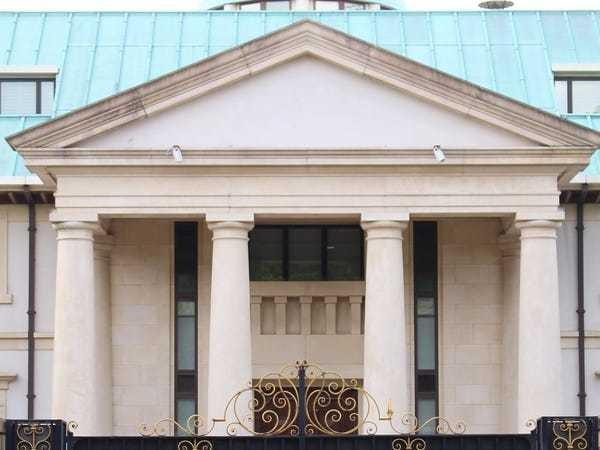 London Billionaires Row: Garish Toprak Mansion where Gorbachev partied - Business Insider