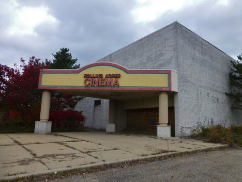 Dying shopping malls are wreaking havoc on suburban America