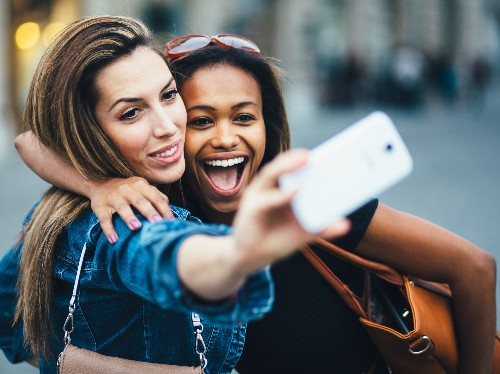 These are the 12 best phones for taking selfies