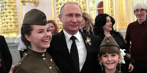 What it's like to live in Putin's Russia, according to an investigative reporter who lived there for 4 years
