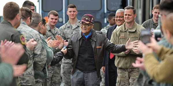 100-year-old hero Tuskegee Airmen celebrates birthday in style - Business Insider