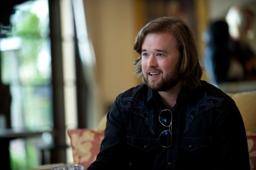 The 'Entourage' movie will completely destroy your childhood image of Haley Joel Osment