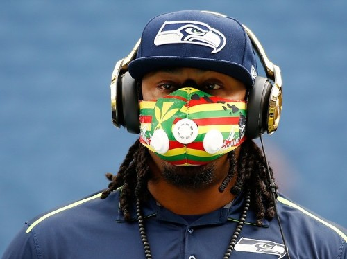 Here's why Marshawn Lynch wears a crazy-looking mask before games