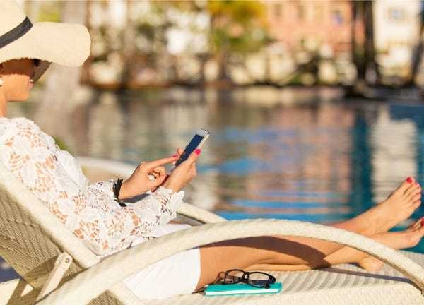 How to set an out of office email message on an iPhone - Business Insider