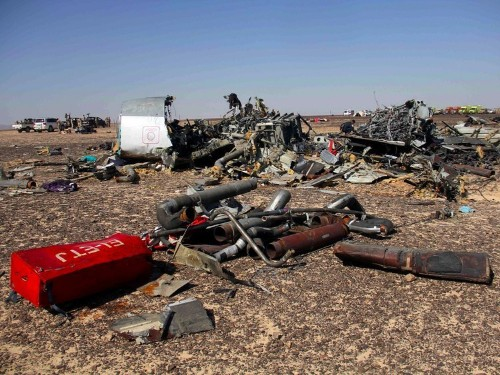 Aviation experts think there's a strong possibility a Russian passenger jet was deliberately blown up over Egypt