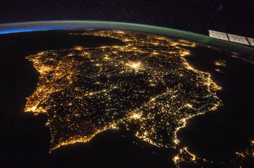 19 impossibly detailed views of Earth from space at night