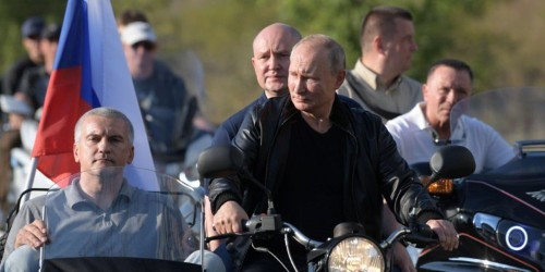 Vladimir Putin went to a far-right motorcycle rally in Crimea
