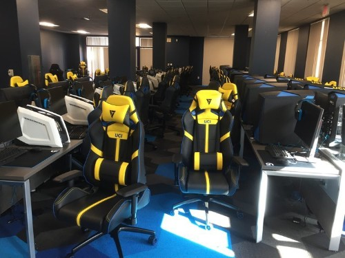 This California university will pay half your college tuition just for playing video games