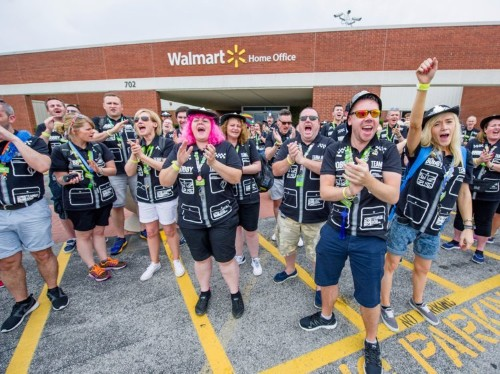 Walmart beats on earnings, thanks to the internet