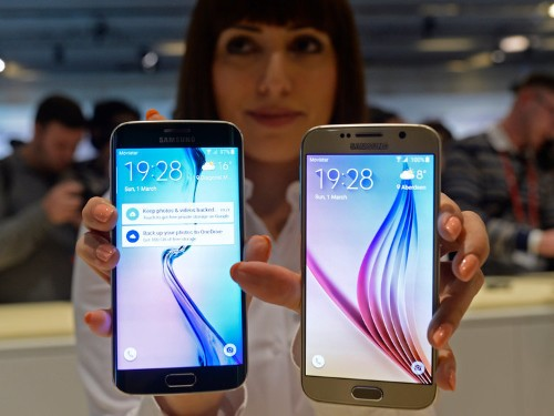 There are two things holding me back from recommending Samsung's Galaxy S6 over the iPhone