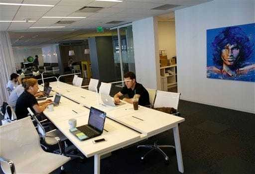 Goodbye home offices: shared workspaces gaining ground - Business Insider