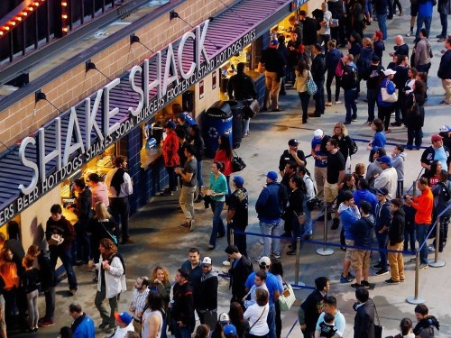 11 Reasons People Are Obsessed With Shake Shack