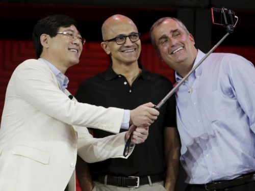 Microsoft's Selfie app has been downloaded by over half a million iPhone users in 2 weeks
