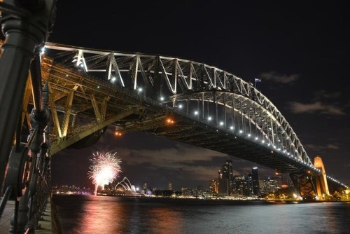 Lights out in Australia as Earth Hour kicks off