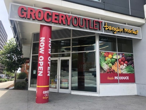 What it's like to shop at Grocery Outlet, the TJMaxx of grocery stores