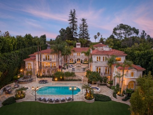 6 celebrity homes you can rent right now: prices, location, photos
