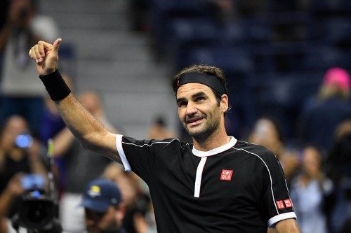 Roger Federer posted an epic Ellen DeGeneres-style selfie with some of the world's best tennis players