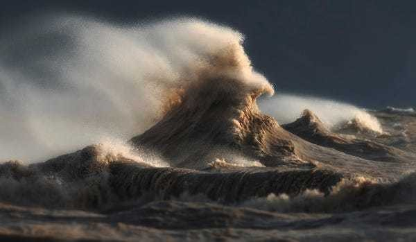 Lake Erie can get extremely violent and these are the photos to prove it - Business Insider
