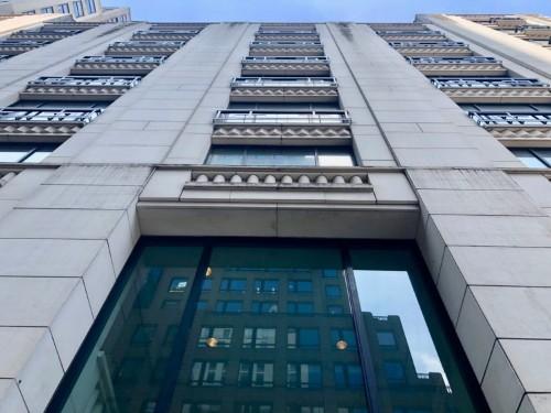 Barneys New York struggling, edging toward bankruptcy: report, photos