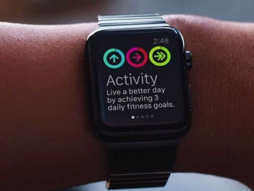 We asked a bunch of fitness experts about the Apple Watch — here's what they had to say