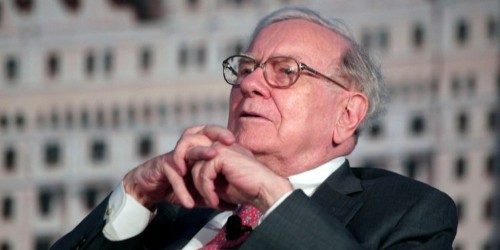 Why Warren Buffett's record-breaking cash stockpile should have investors very worried