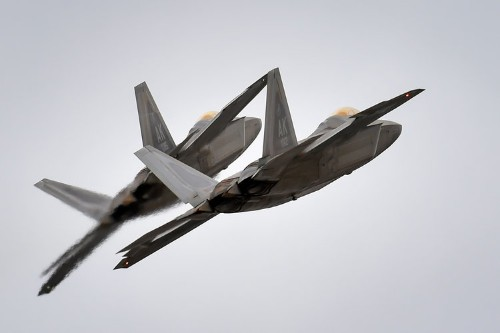 Syrian jets flying close to US Special Forces 'encouraged to leave' by F-22s