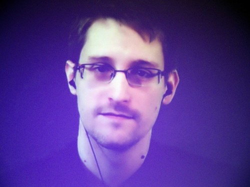 Here's how to send super-secure messages like Edward Snowden