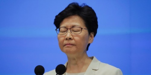 Hong Kong protests: Carrie Lam apology, but won't drop extradition bill