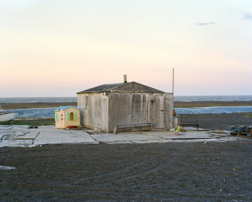These small hunting cabins in the northernmost part of the US are inhabited by Eskimos and withstand freezing -30-degree temperatures