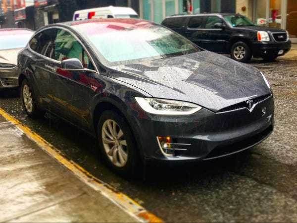 We took the Tesla Model X SUV for a spin in Manhattan — and were blown away - Business Insider