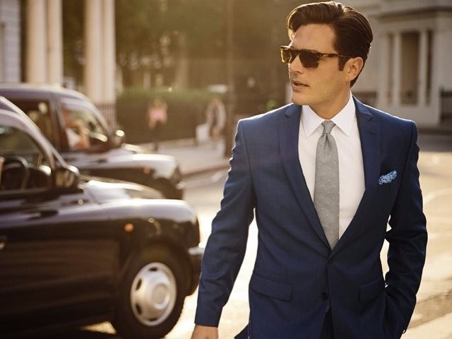 If you're just starting out on Wall Street, here's where you should buy your suits