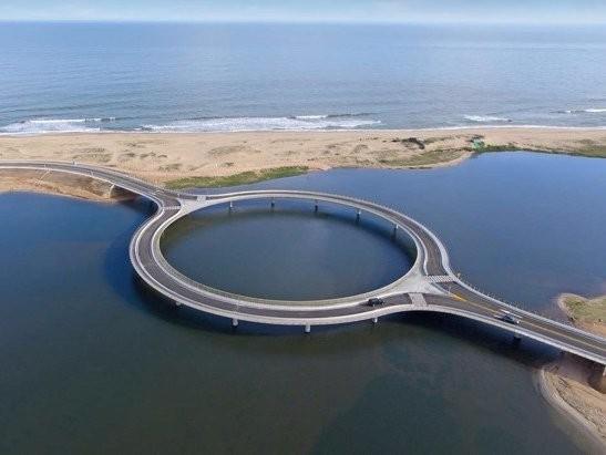 This 'roundabout' bridge in Uruguay has 2 specific purposes