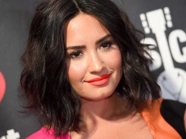Demi Lovato is still hospitalized and reportedly suffering 'complications' from overdose - Business Insider