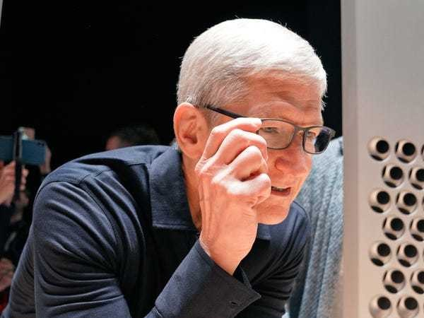 Apple revealed iPhone replacement project in secret meeting: Report - Business Insider