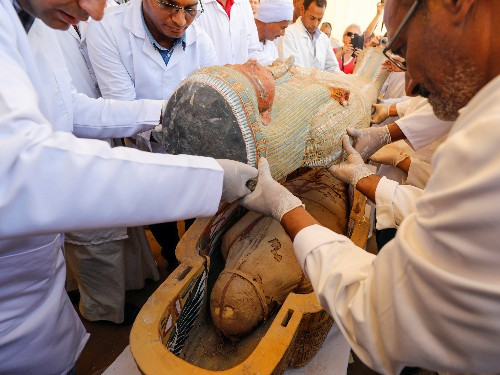 Photos: 30 ancient Egyptian sarcophagi opened, perfect mummies inside - Business Insider