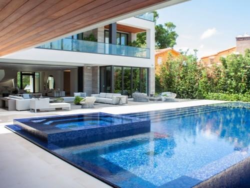 I toured a $29.5 million mansion on 'the Park Avenue of Miami Beach'
